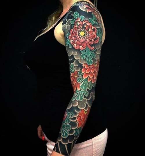 Hình xăm hoa cúc Nhật cổ cho nữ
