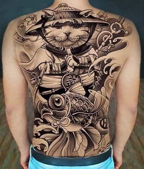 Hình xăm mèo thần tài cá chép kín lưng, nửa lưng tatoo